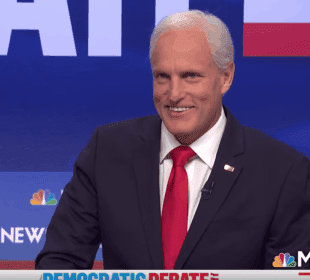 'SNL' Hilariously Mocks Biden, Warren in Debate Recap 2