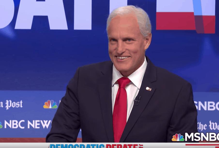 'SNL' Hilariously Mocks Biden, Warren in Debate Recap 1